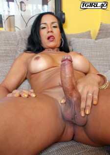 Shemale aline stephanely strokes